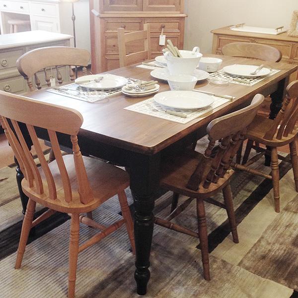英国スタイルパイン家具 ダイニングテーブル ターンドレッグ天板厚35mm 1800x900